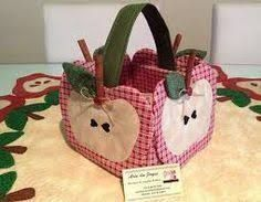 Fabric Crafts, Sewing Crafts, Sewing Projects, Applique Embroidery Designs, Applique Patterns, Creative Crafts, Diy And Crafts, Patchwork Kitchen, Sewing Caddy