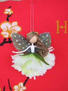 Mint Fairy or Mint Ballerina Angel. Have you ever heard about her? She is very friendly and helpful, now bringing joyful dreams and laughter to your house as well. Especially, this carnation angel is a very meaningful and caring gift to loved people whose birthday is in January. Are
