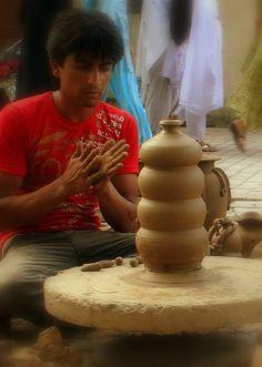Artist at work! #pakistan