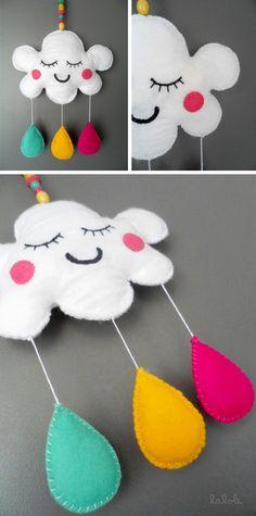 nube de fieltro de colores - lalole blog Felt Crafts, Diy And Crafts, Diy For Kids, Crafts For Kids, Baby Mobile Felt, Baby Sewing Projects, Baby Room Decor, Wooden Diy, Diy Toys
