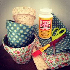 Crafty Lumberjacks : Bibbidi Bobbidi Pots. Great idea for those Mother's Day flowers