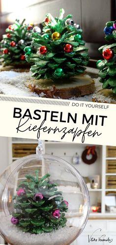 Zwei Weihnachtsbasteleien mit Kiefernzapfen (nicht Tannenzapfen, die sind länger), die Du wunderbar mit Kindern nachbasteln kannst. Du brauchst: - Bockerl (Zapfen von Kiefern bzw. Föhren) - Arcylfarbe - Perlen - Heißklebepistole - Kunstschnee & Acrylglaskugeln oder Astscheiben Wie es funktioniert und wo Du die Sachen am besten bekommst, beschreibt DIY-Bloggerin VlikeVeronika im Blogbeitrag. #weihnachten #advent #bastelnmitkindern
