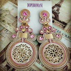 Statement earring by Venezuelan-Italian designer Dopodomani Soutache Necklace, Beaded Earrings, Earrings Handmade, Handmade Jewelry, Shibori, Boho Jewelry, Jewelery, Soutache Tutorial, Queens Jewels