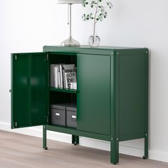 KOLBJÖRN Cabinet in/outdoor, green. Suitable for both indoor and outdoor use. The cabinet is durable, easy to clean and protected from rust since it is made of powder-coated galvanised steel. Ikea Outdoor, Indoor Outdoor, Plein Air Ikea, Steel Cabinet, Green Cabinets, Cabinet Makeover, Galvanized Steel, Storage Cabinets, Kitchen Storage