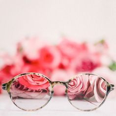 Im thinking of buying new glasses - should I get rose-tinted ones? With blossom still thin on the ground (and the trees) I think I might need some. . #inspiredbypetals #floralhideandseek #justbefloral #inspirewithblooms #myfloraldays #petalsandprops #make_more_magic #filthyflora #floraandfauna #blooooms #thefloralseasons #createinspring #seeingthepretty #alliseeispretty #forprettyssake #pinkinmyfeed #prettiestpastels #flowerstagram #flowerstalking #global_ladies #rsa_ladies #myheartinshots…
