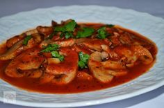 Ciuperci in sos tomat Tasty, Yummy Food, Thai Red Curry, Cooking Recipes, Ethnic Recipes, Drink, Vegans, Bebe, Beverage