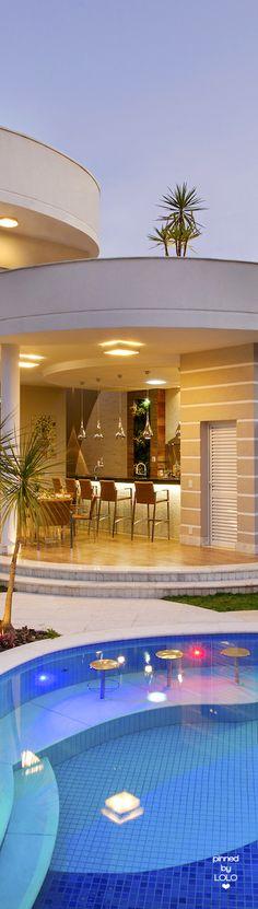 Rosamaria G Frangini | Architecture Luxury Houses | Arquiteto Aquiles Nícolas Kílaris | LOLO
