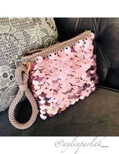 Crochet Clutch Bags, Crochet Handbags, Hand Embroidery Art, Embroidery Bags, Crochet Baby Blanket Free Pattern, Art Bag, Macrame Bag, Diy Purse, Knitted Bags