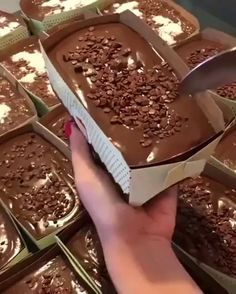 Best Chocolate Cake, Chocolate Topping, Homemade Chocolate, Chocolate Desserts, Chocolate Heaven, Chocolate Videos, Chocolate Chocolate, Just Desserts, Delicious Desserts