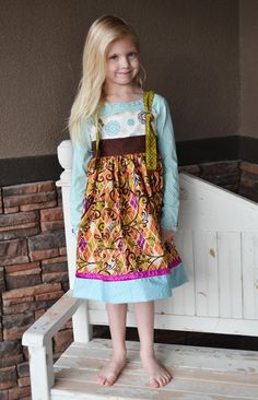 Adorable knot dress tutorial!