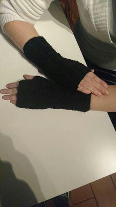 Mezzi guanti neri per Anto