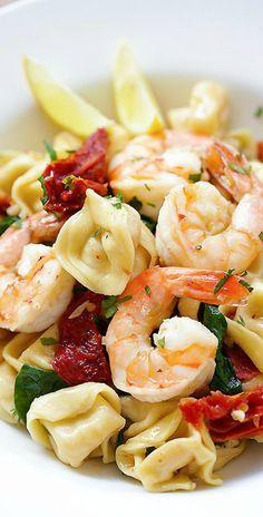 Garlic Shrimp Tortellini – AMAZING tortellini with garlic shrimp. Easy 20-min recipe, so delicious and better than restaurant's | rasamalaysia.com