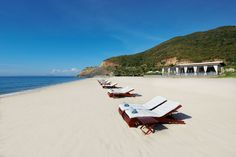 Mia Nha Trang Resorts offers exclusive villas at Mia – set amongst manicured gardens – is the perfect space to find peace, relaxation and comfort.