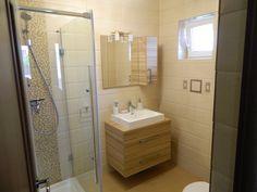 """Într-o baie, exigențele sunt legate de igienă, senzații plăcute și relaxare, în timp ce funcționalitatea reprezintă o necesitate de prim rang. Prin culori adecvate, accesorii la modă și diverse gadgeturi, experții echipei Johanes Qualitat Cluj proiectează, din nou, un spațiu personalizat, care promovează confortul total și designul """"în tendințe"""". (detaliu)"""