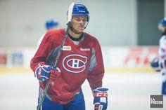 Noah Juulsen (OLIVIER PONTBRIAND, LA PRESSE) Montreal Canadiens, Reebok, Hockey Teams, Sports, Hockey Players, Olive Tree, Hs Sports, Sport
