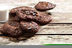 Cookies διπλής σοκολάτας με μπισκότο