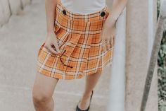 Love this yellow plaid skirt outfit bc it's inspired by a Clueless aesthetic! baby) I had to recreate a Cher Horowitz inspired outfit. This color is sooo trendy for fall fashion 2018 – another great fall transitional outfit idea,.I wore my check ski Cozy Fall Outfits, Fall Transition Outfits, Stylish Summer Outfits, Classy Outfits, Casual Outfits, Spring Outfits, Yellow Plaid Skirt, Plaid Skirts, School Fashion