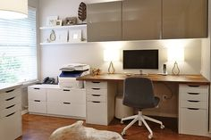 In episode 312 of the IKEA Home Tour Series, the Squad transforms Julie's cluttered home office into a stylish and functional workspace.