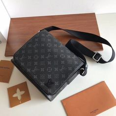ed06e89ac Louis Vuitton District PM Messenger Bag M44000 Louis Vuitton Messenger Bag, Messenger  Bags, Louis