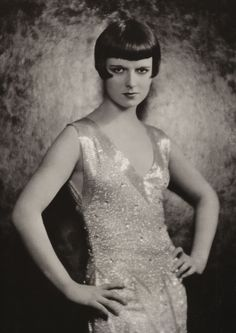 Louise Brooks http://louisebrookssociety.blogspot.co.uk/2013/05/cool-pic-of-day-louise-brooks.html