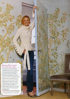 Gracie wallpaper - detail Model Maggie Rizer with her Gracie wallpapered room. Gracie Wallpaper, Wallpaper Door, Chinoiserie Wallpaper, Chinoiserie Chic, Pink Wallpaper, Invisible Doors, New York Apartments, Hidden Rooms, Beautiful Dining Rooms