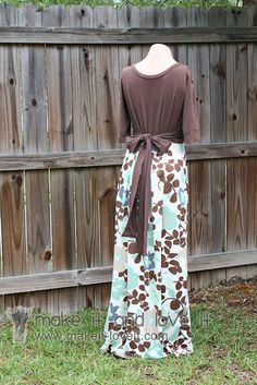 DIY maxi dress with sleeves. Made with a tshirt and a couple of yards of knit fabric. I have the stuff to make one right now. Can't wait!