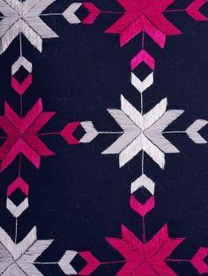 Navy - Fuschia Phulkari Embroidered Cotton Cushion Cover X Phulkari Embroidery, Hand Embroidery Dress, Embroidery On Kurtis, Kurti Embroidery Design, Baby Embroidery, Embroidery Motifs, Indian Embroidery, Hand Embroidery Designs, Fabric Embellishment