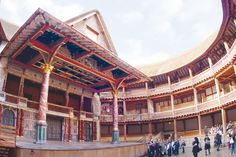 Shakespeare's Globe Theatre (C) Pete le May