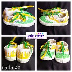 Zapatos pintadas a mano .Painted shoes .chaussure peinte a la main sant pere de ribes
