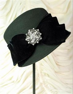 COSMOPOLITAN HAT by Victorian Trading Company!  Gorgeous!