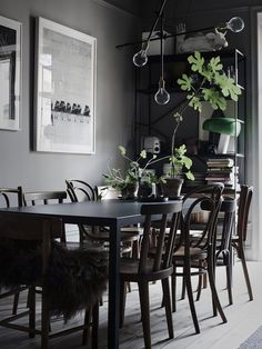 The Dark And Stylish Home Of Lotta Agaton