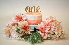 Ombré smash cake. Baby's first birthday. Floral cake.