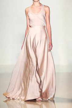 Valentin Yudashkin S/S 2012 Paris - the Fashion Spot - flowing skirt with lace high neck top Beautiful Gowns, Beautiful Outfits, Vestidos Fashion, Valentin Yudashkin, Look Fashion, Fashion Design, Paris Fashion, Glamour, Mode Outfits