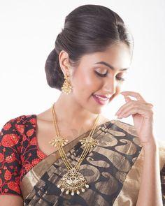 beautiful haram designs Gold Mangalsutra Designs, Gold Jewellery Design, Gold Jewelry, Bridal Jewelry, Mysterious Girl, Beautiful Girl Image, Beautiful Roses, Indian Beauty Saree, Indian Bridal