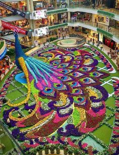 Floral arrangement in a mall in Medellin, Colombia. Blumengesteck in einem Mall in Medellin, Kolumbien. Most Beautiful Gardens, Beautiful Flowers Garden, Amazing Gardens, Beautiful Places, Topiary Garden, Garden Art, Garden Design, Topiaries, Miracle Garden