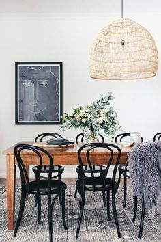 TEXTURAL PARADISE — Adore Home Magazine modern dining room decor, neutral dining room design, modern dining room table and modern dining room chandelier Dining Room Design, Dining Room Table, Ton Chair, Rattan Dining Chairs, Dining Room Inspiration, Home And Deco, House And Home Magazine, Contemporary Design, Contemporary Kitchens