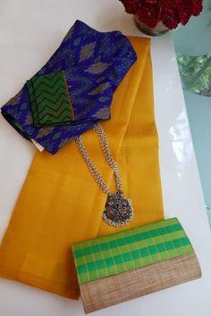 Saree Tassels Designs, Cotton Saree Designs, Saree Blouse Neck Designs, Saree Blouse Patterns, Designer Blouse Patterns, Bridal Blouse Designs, Silk Saree Kanchipuram, Stylish Blouse Design, Saree Trends