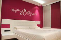 Dormitorio fusia y blanco