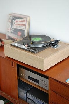 Highly sought after Garrard 401 turntable. The 301 is coveted even more.