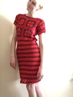 Handmade crochet dress in shades of red with Lacey detail Size 4 Pull over with stretch Short sleeves, approximately knee length