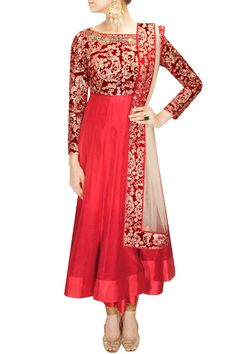 Shop online from latest & beautiful collection of Anarkali suits, Long Anarkalis & Salwaar in Anarkali style. Get designer Anarkali Suits at Best Prices. India Fashion, Asian Fashion, Muslim Fashion, Trendy Fashion, Style Fashion, Indian Attire, Indian Wear, Pakistani Outfits, Indian Outfits