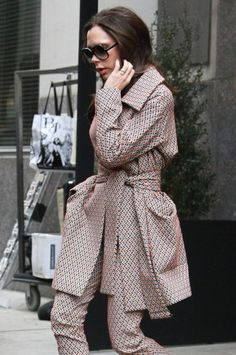 Victoria Beckham Photos - Victoria Beckham Steps Out in NYC - Zimbio