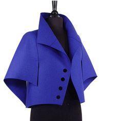 I love architecture in clothing Look Fashion, Fashion Details, Winter Fashion, Womens Fashion, Couture Fashion, Hijab Fashion, Fashion Dresses, Moda Peru, Mode Mantel