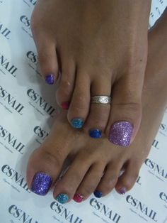 Glitter toes by es nail Glitter Toe Nails, Es Nails, Cute Toe Nails, Hair And Nails, Toe Nail Color, Toe Nail Art, Nail Colors, Manicure, Oval Nails