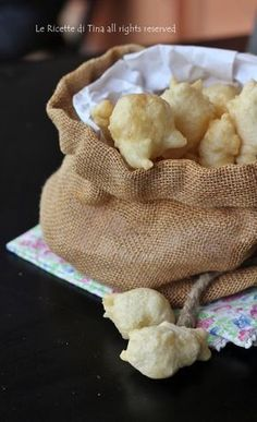 Frittelle al parmigiano croccanti con lievito istantaneo