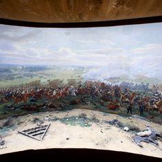 Inaugurado en 1912, el Panorama de la Batalla de Waterloo alberga un lienzo circular de 110 m de largo y 12 m de alto, que ilustra escenas de la batalla del 18 de junio de 1815.