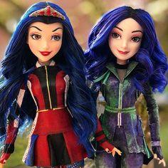 Disney Descendants Dolls, Disney Channel Descendants, Disney Dolls, Audrey Doll, Disney Decendants, Christmas Gifts For Girls, Barbie Fashionista, Disney Memes, Doll Hair
