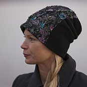 Купить или заказать шапка валяная шапка войлочная шапка шерстяная 'Осенний вальс' в интернет-магазине на Ярмарке Мастеров. Невроятно мягкая , комфортная и вместе с тем теплая шапочка бини..Она двойная ( подробнее о них писала в блоге ) что делает ее очень комфортной в носке к тому же одеть можно множеством способов. Сделана из итальянского мериноса осенних оттенков хаки и горчичных.Декорирована различными волокнами и немного вышивки бисером .
