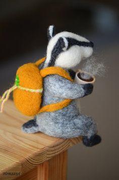 Needle felted Badger Tripster by Krupennikova Oxana (Homaaxel). Felted Wool Crafts, Felt Crafts, Needle Felted Animals, Felt Animals, Needle Felting Tutorials, Felt Mouse, Felt Patterns, Wet Felting, Soft Sculpture