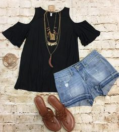 In Plain View Cold Shoulder Top: Black from privityboutique Summer Outfits 2017, Spring Outfits, Clothing Swap, Clothing Styles, Short Outfits, Cute Outfits, Fashion 2017, Fashion Outfits, Capsule Outfits